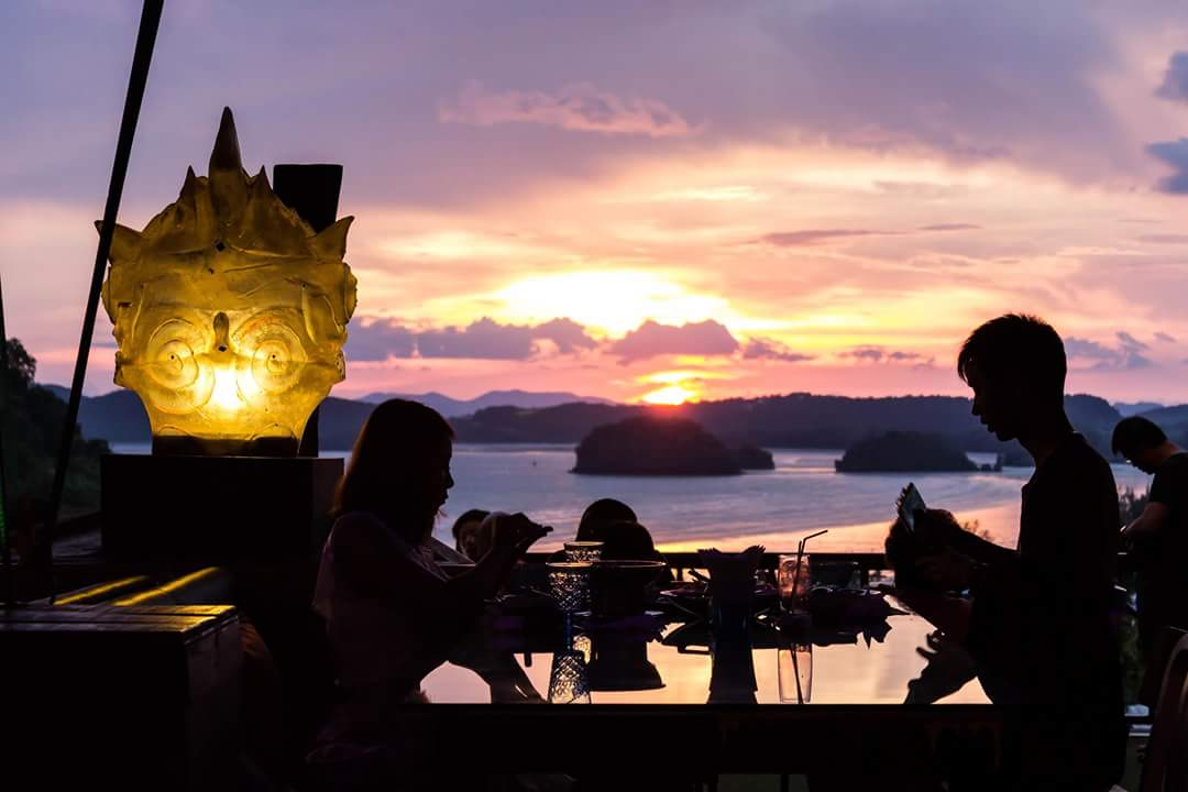 Saulėlydis Lae La grill restorane