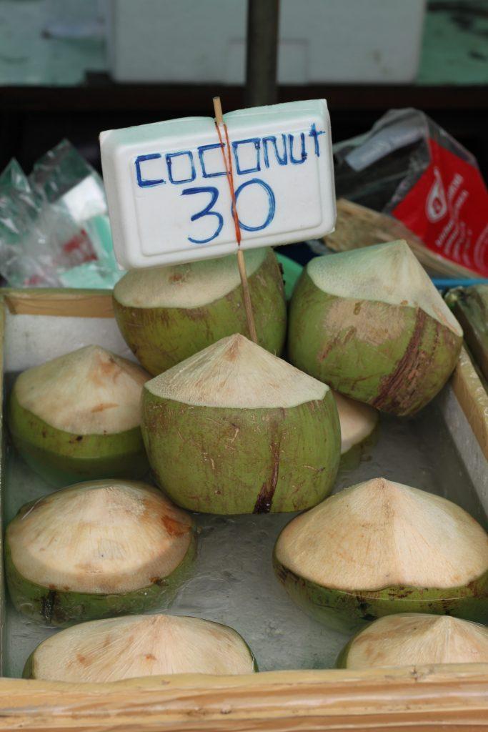 Skaniausi kokosai Tailande!