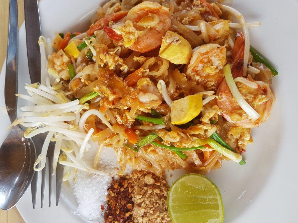 Pad Thai vietinių kavinukėje