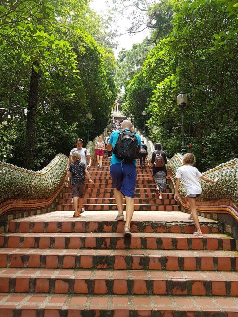 Chiang Majus garsus šventyklų gausa.