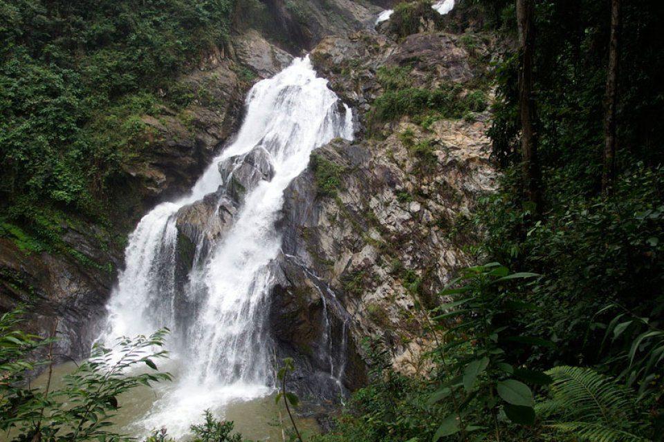 Khao-Luang-National-Park-Nakhon-Si-Thammarat-Thailand-004-960x640