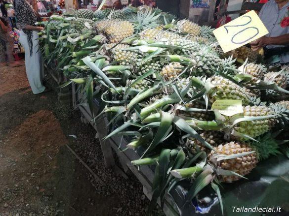 Ananasai Tailande būna ištisus metus