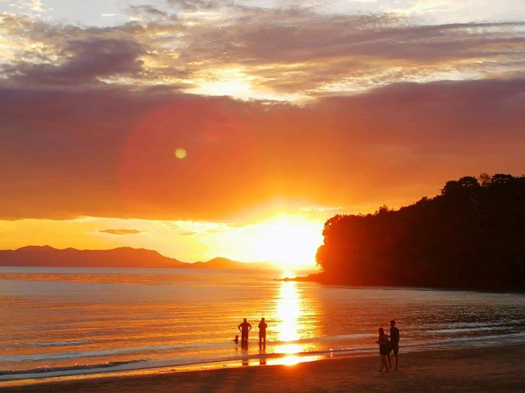 Saulėlydis Klong Muang paplūdimyje