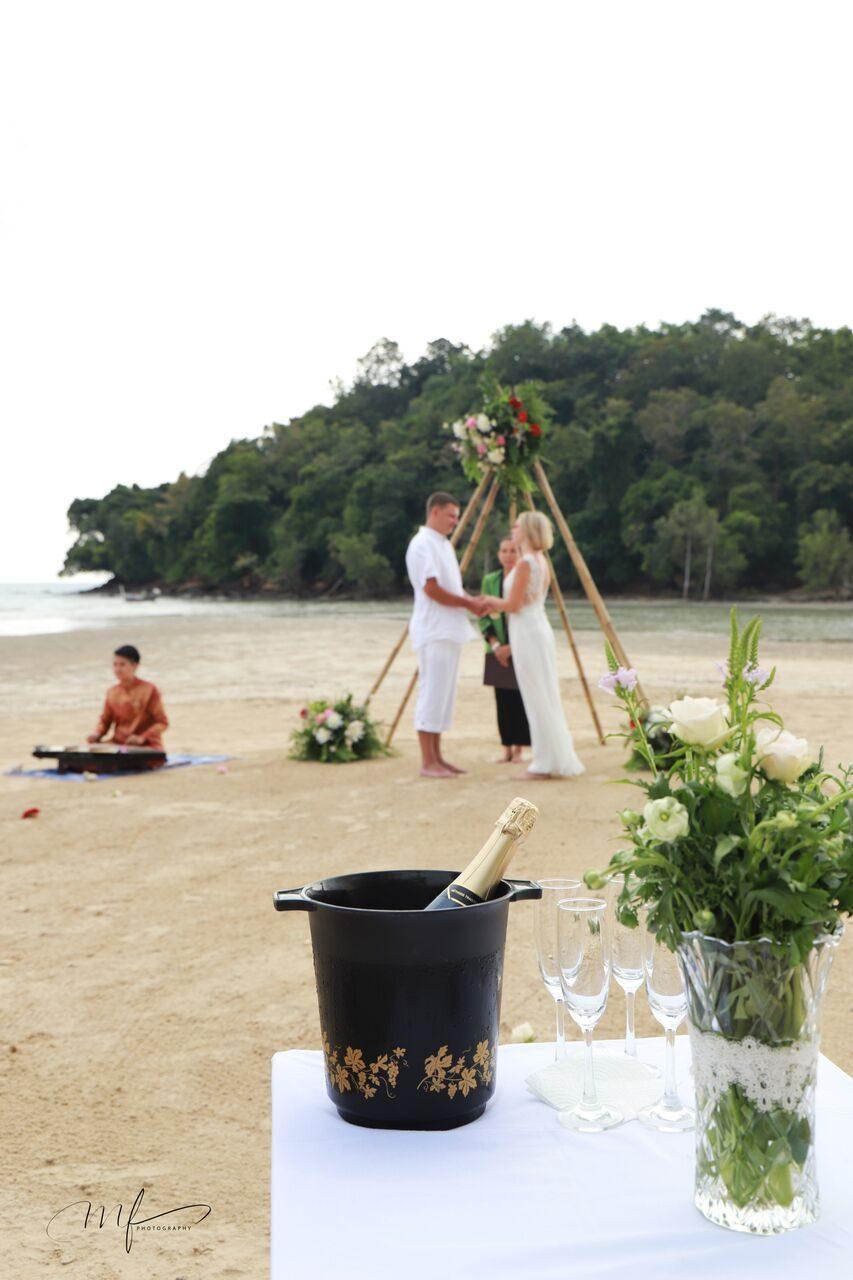 Vestuvės Tailande prie jūros