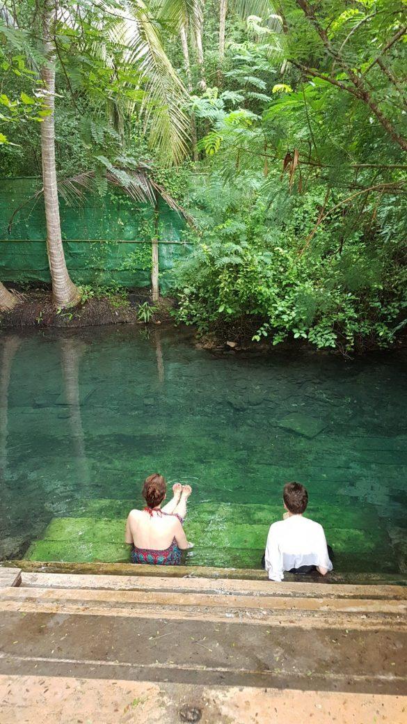 Karštų stovių baseinai - atgaiva po dienos medituojant