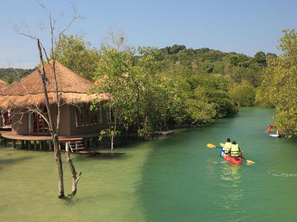 Koh Payam The Blue Sky resort - nameliai ant vandens