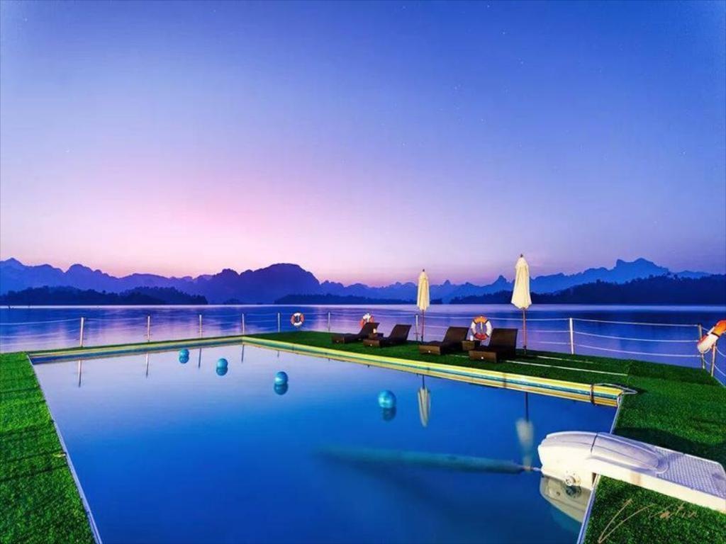 500 rai viesbutis khao sok parke su baseinu