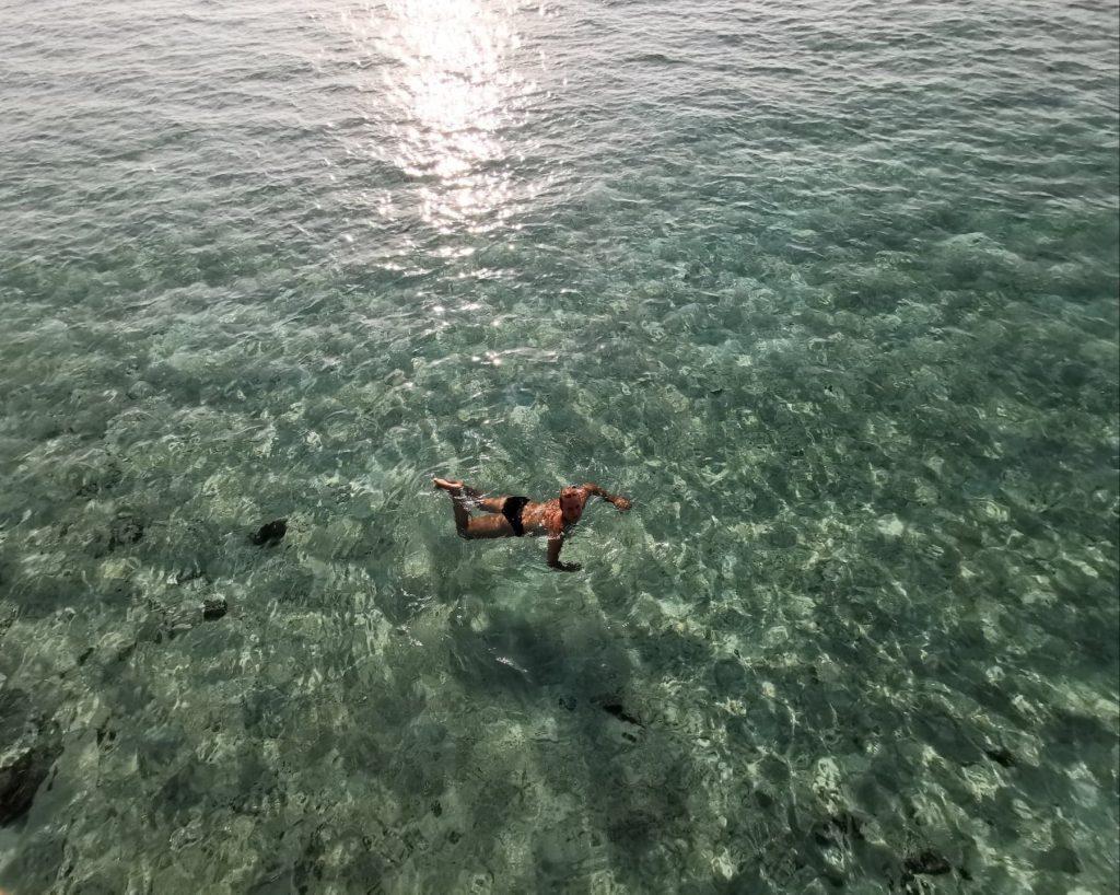 Maldyvų privalumas - paviršinis nardymas nuo kranto