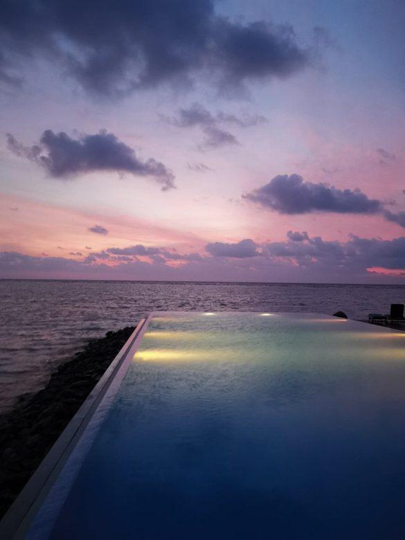 Summer island salos Maldyvuose baseinas