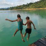 Vakaris ir Vasarė Cheow Lan ežeras Khao Sok