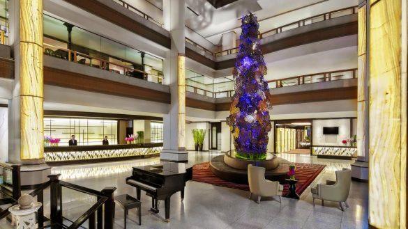 avani atrium baseinas ant stogo bankoko viešbutyje