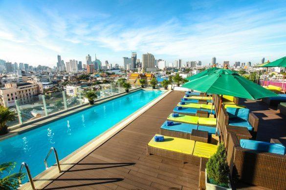royal chinatown viešbutis su baseinu ant stogo