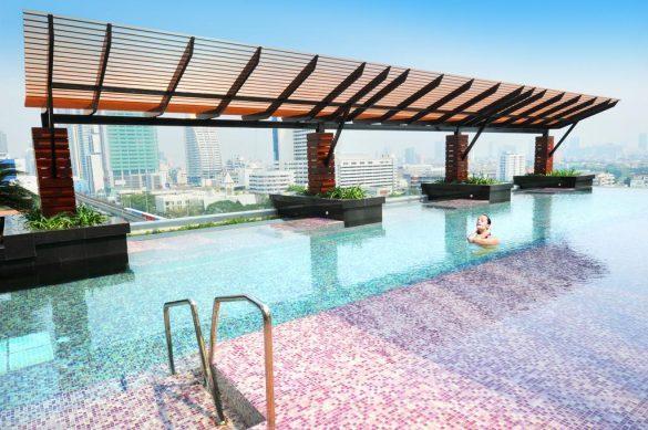 mode sathorn viešbučio baseinas ant stogo