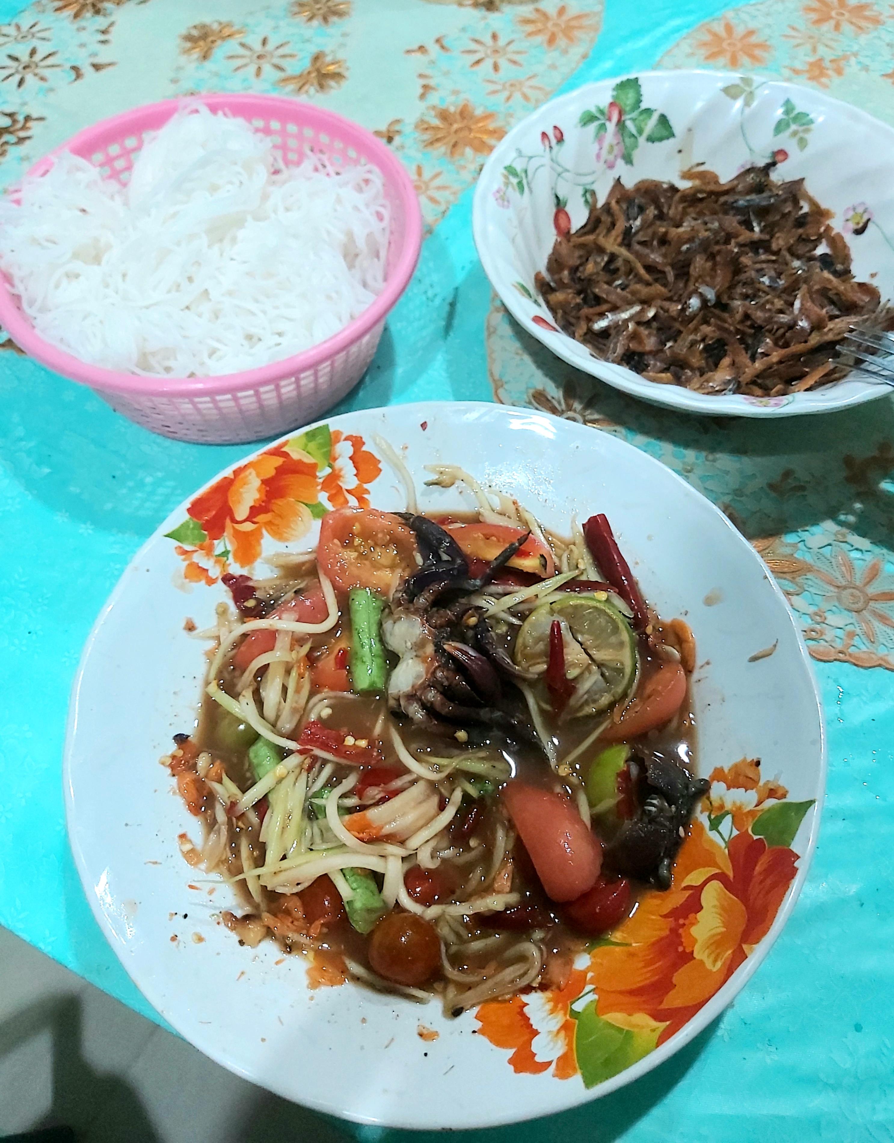 tailandietiskos papaju salotos
