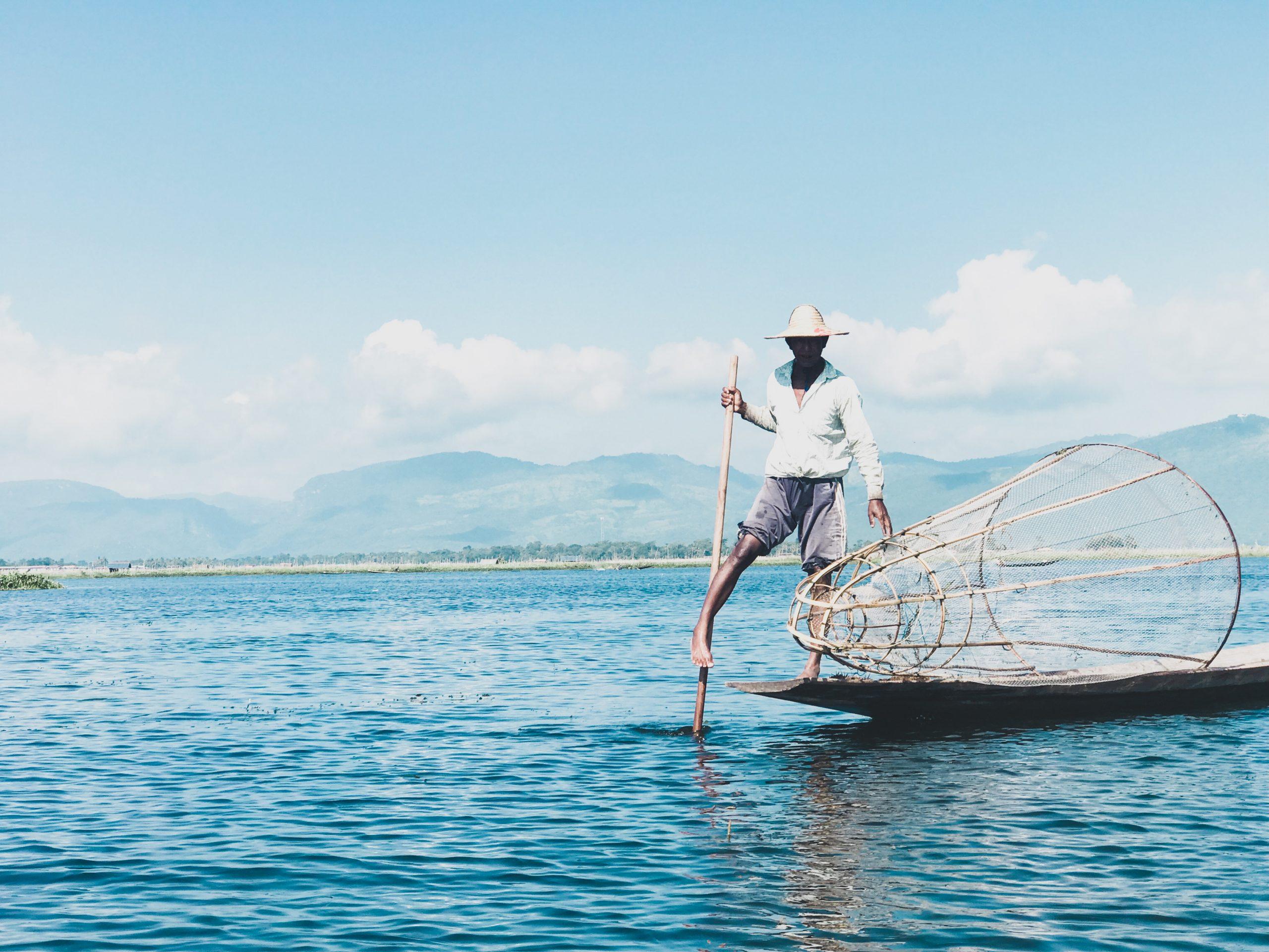 Mianmaris vietinis žvejas